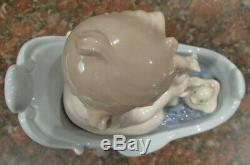 Lladro 6872 Let's Take a Bath baby in tub with rubber ducky MWOB, RV$330