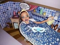 My Scene Barbie In My Tub Kenzie doll Bathroom Bathtub Robe Getting Ready boxed