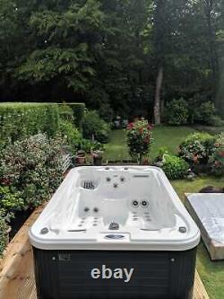 New Palm Spas Coco Luxury Hot Tub Spa 3 Seats Balboa Music Bluetooth Plug Play