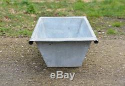 Old vintage galvanized tin bath/dog/ flower tub/ trough /duck pond FREE DELIVERY