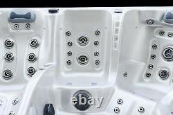 Outdoor Whirlpool Hot Tub Maximus Balboa Aristech USA WIFI 111 Düsen. SPA LED